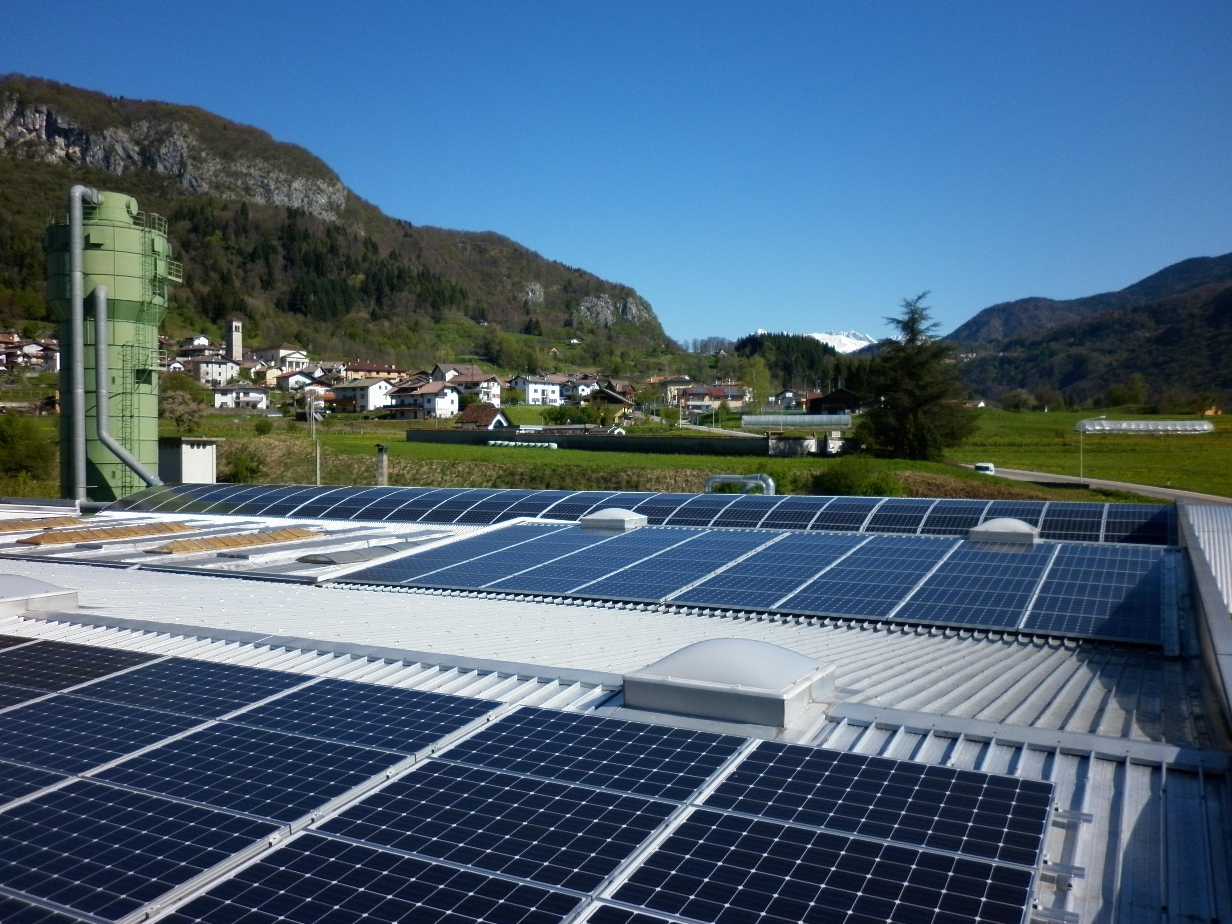 Raveo ditta Zanier(103,88 kWp su 4 falde - impianto a 2 sezioni – eseguito smaltimento eternit)
